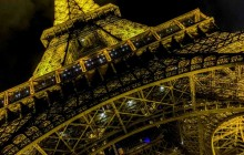 Paris: La Tour Eifel by Night